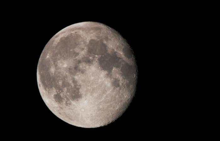 Moon 18