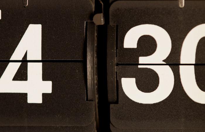 Flip Clock 10 – 4:30am