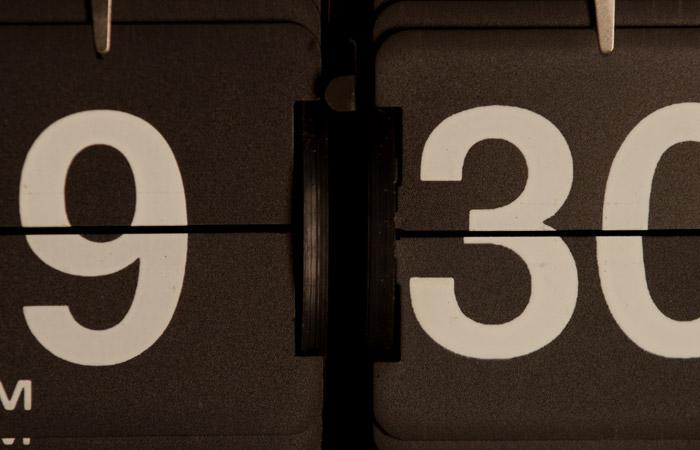 Flip Clock 44 – 9:30pm