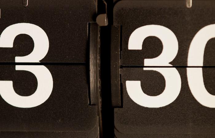 Flip Clock 8 – 3:30am