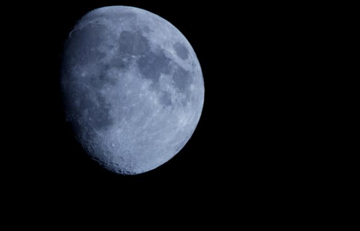 Moon 33