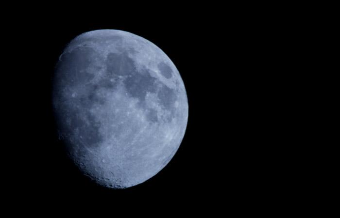 Moon 34