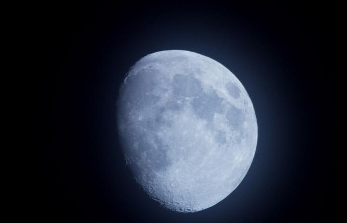 Moon 35