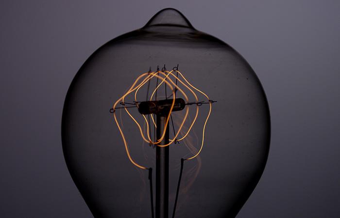 Light Bulb 27