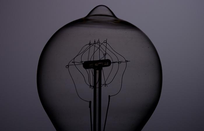 Light Bulb 28
