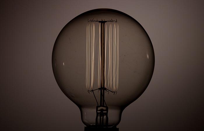 Light Bulb 44